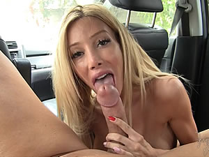 Busty shemale Kimber James - blowjob in the car