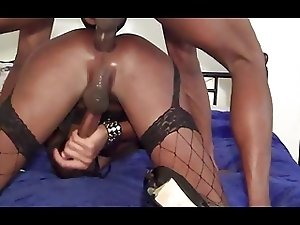 sinnamin be cumming hard for her daddy